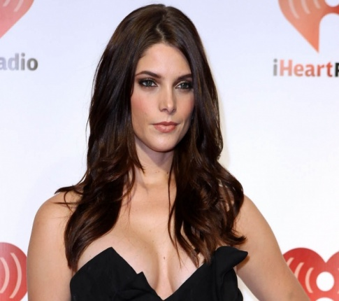 Tuesday TaTa's: Ashley Greene