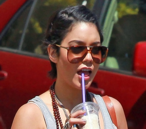 Vanessa Hudgens: The Dating Machine
