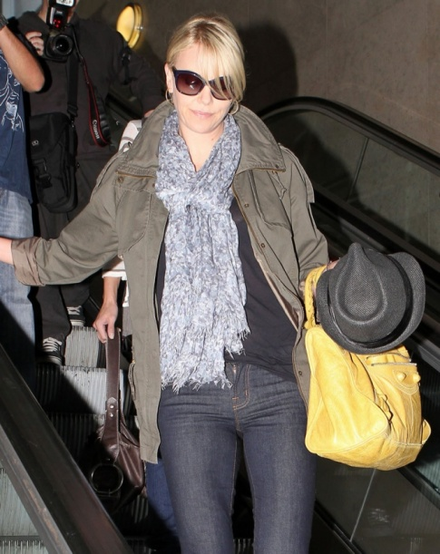 Charlize Theron's Hot Airport Style