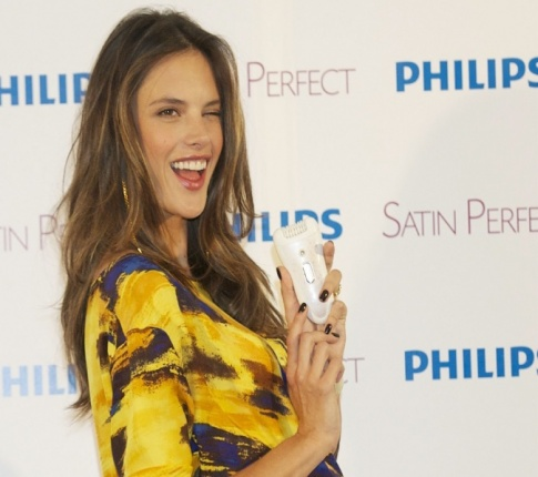 Alessandra Ambrosio is pregnant and stunning!