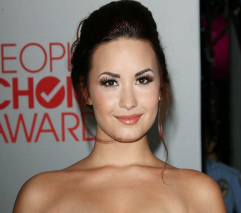 Britney Spears and Demi Lovato to Judge X-Factor!