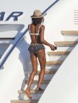 Naomi Campbell flashes hot bod on designers yacht!