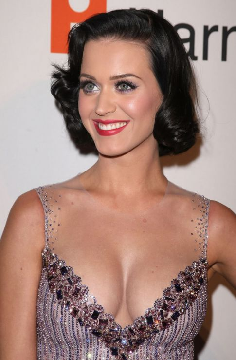 Katy Perry Flip-Flops My Thoughts, Now Sexy