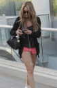 Amanda Bynes Dating Her BlackBerry? Say It Ain't So!