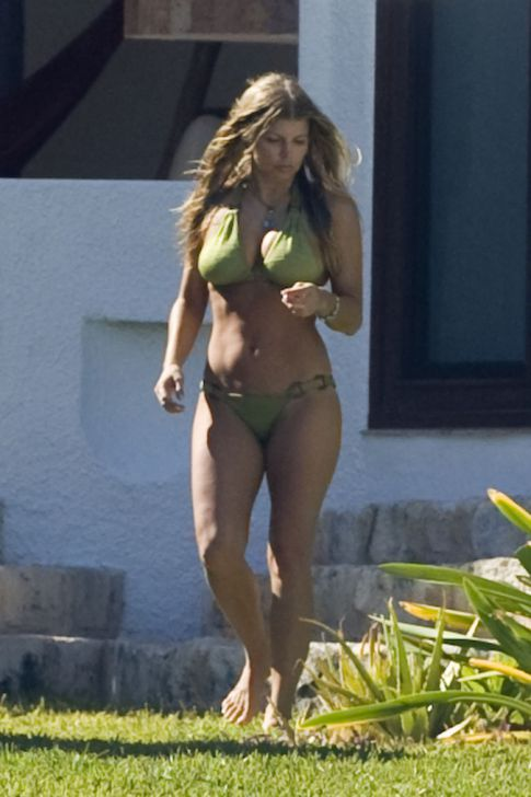 Fergie and Josh Duhamel on Vacation in Mexico, Bikini Pics!