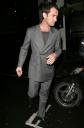 Jude Law is Drunk, Flips the Bird to Paparazzi