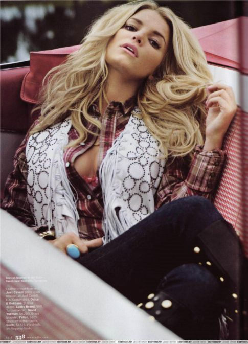 Jessica Simpson Looking Sexy in Elle Magazine