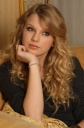 Paradox of the Day: Taylor Swift is Oddly Attractive, Unattractive