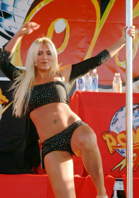 Brooke Hogan Induces Years of Therapy, Gag Reflex