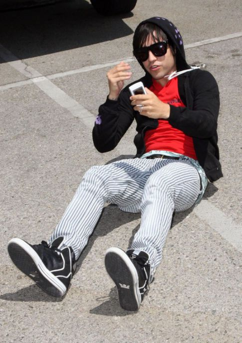 Pete Wentz Trips and Falls, Hurts Image
